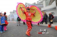 衡阳县传统花灯拜年闹新春