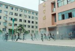 桂阳一中组织新生开展消防疏散演练