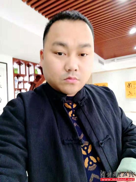商海登岸,文墨造峰——记蓝庭书画院院长曾涛