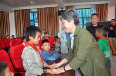 桂阳教育基金会:三年五千万全力助推教育精准扶贫